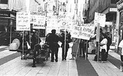 Titelbild der Aufgabe; Bild einer Demonstration